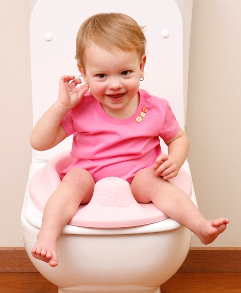 Bumbo-Toilet-Trainer-w-Girl